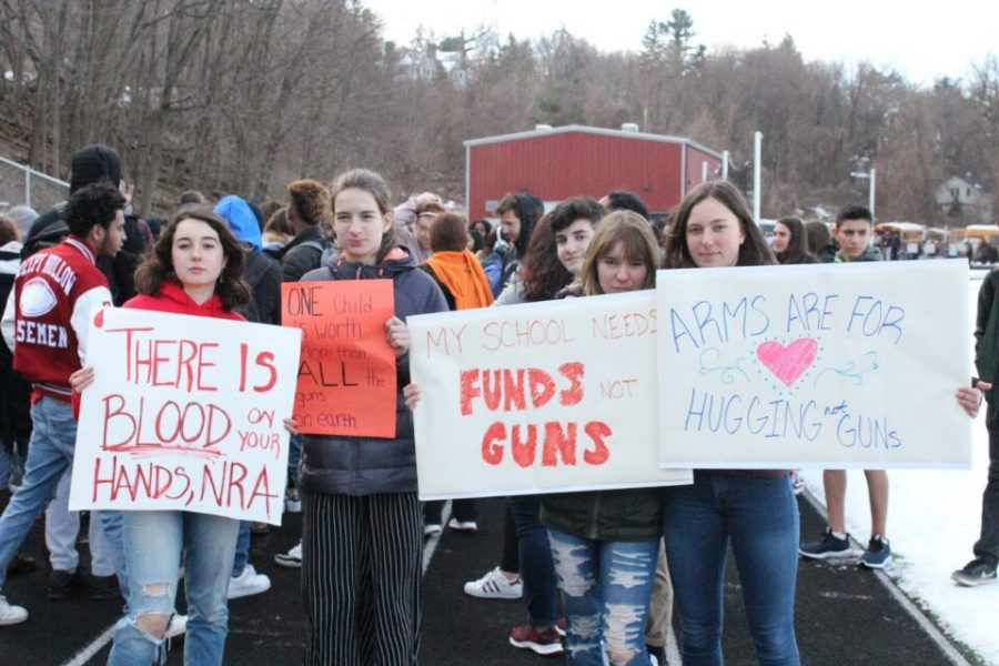 SHHS+Students+Walk+Out+in+Protest